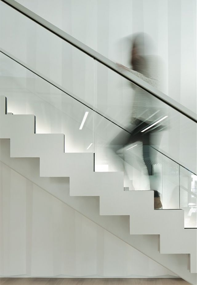 03. Feature Stair