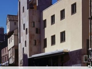 """<strong><span class=""""px16"""">Malcolm Fraser undertook a thorough analysis of the history of the Netherbow before embarking on the design of the new Scottish Storytelling Centre in Edinburgh. The subsequent building is imbued with references to the past but has its own very distinctive character. By Peter Wilson<br/> </span></strong>"""