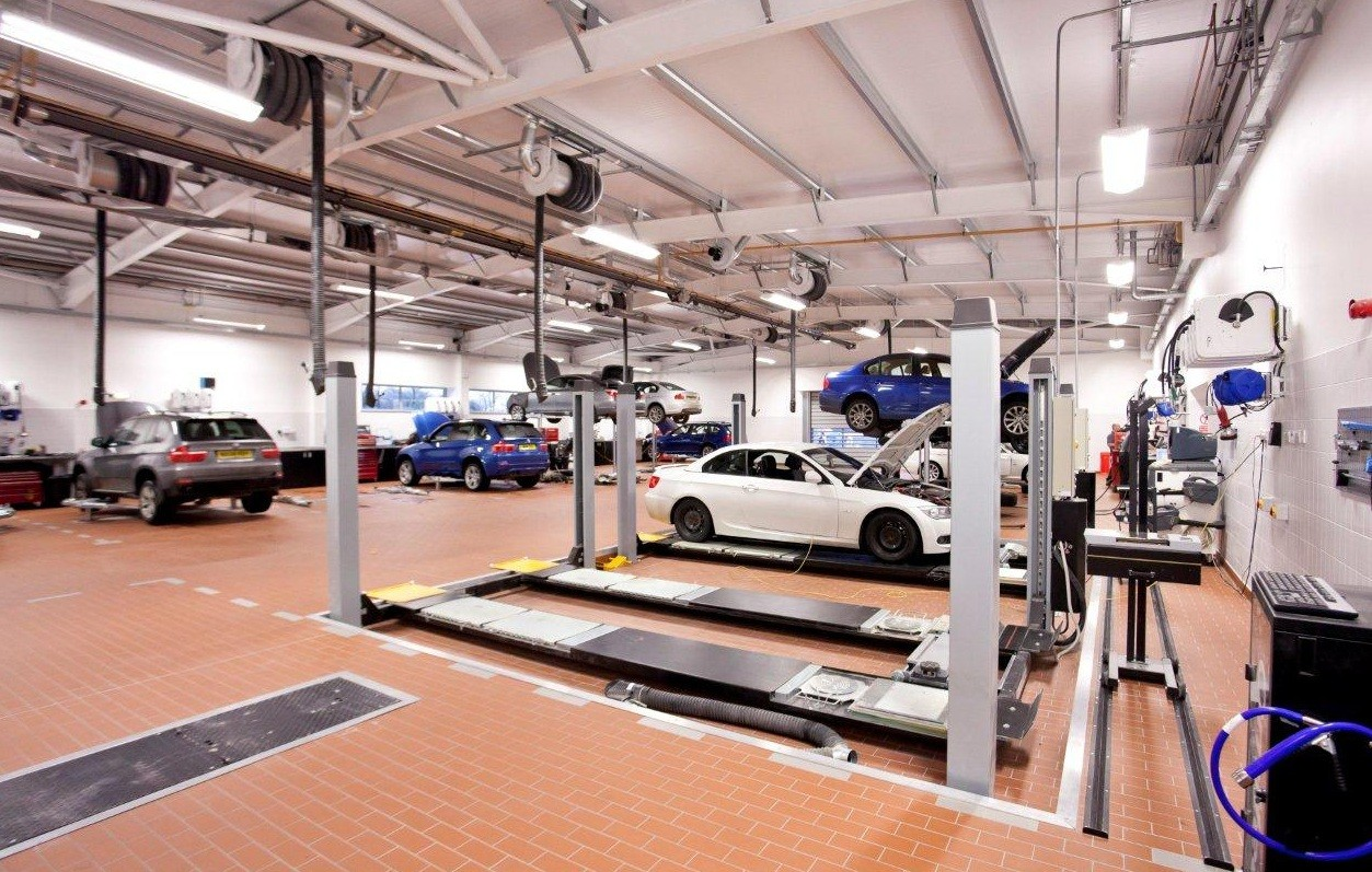 Robertson complete work on BMW dealership : January 2012
