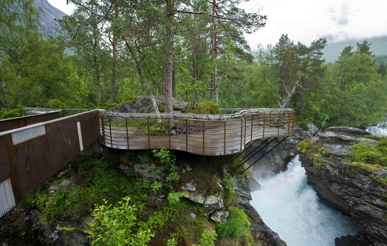 thompson falls buddhist single men Thompson falls history david thompson, the british explorer, fur trader, and cartographer was the first white man to come to this area associated with the hudson's bay company, he built the saleesh house, a fur trading post in 1809.